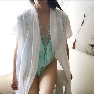 White mesh and applique detail robe/layering piece